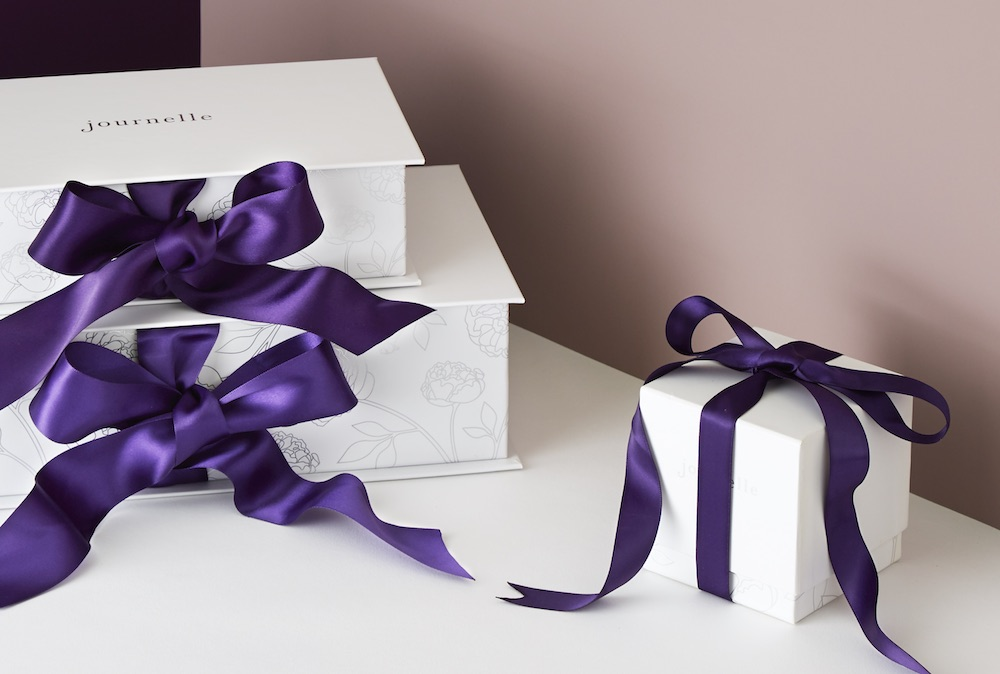 /media/082818_Journelle_boxes_with_ribbon.jpg